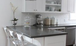 72 Beautiful Kitchen Countertop Ideas With White Cabinets Look Luxurious 12