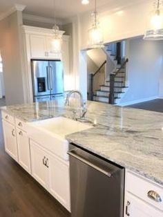 72 Beautiful Kitchen Countertop Ideas with White Cabinets Look Luxurious 2237