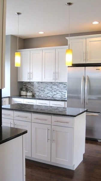 72 Beautiful Kitchen Countertop Ideas with White Cabinets Look Luxurious 2199