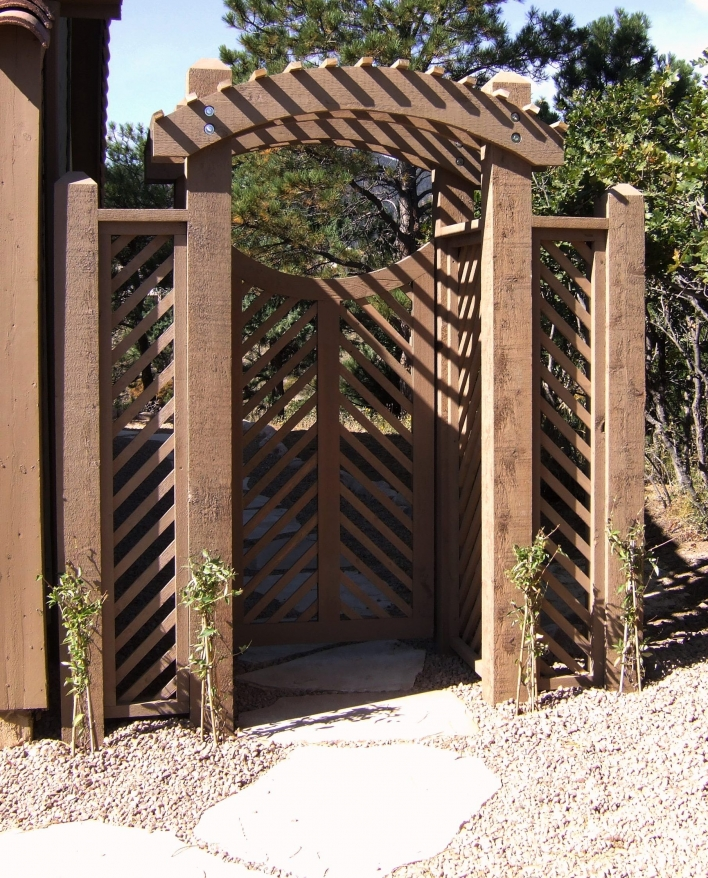 84 Backyard Decoration Ideas for Transform Your Backyard with A Quality Wood Pergola or Arbor 6373