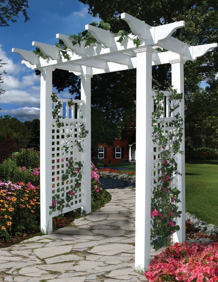 84 Backyard Decoration Ideas for Transform Your Backyard with A Quality Wood Pergola or Arbor 6381