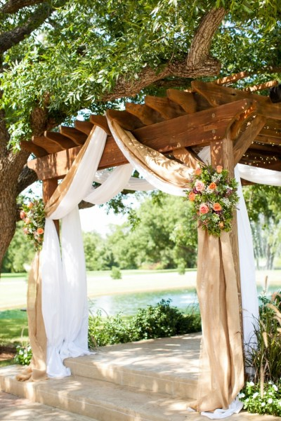 84 Backyard Decoration Ideas for Transform Your Backyard with A Quality Wood Pergola or Arbor 6386