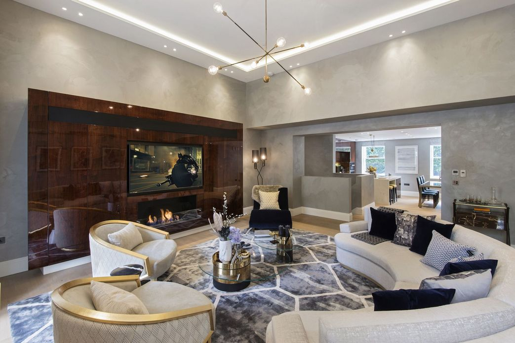 83 Interior Design Models That Look Luxurious And Are Designed To Decorate The Living Room 5