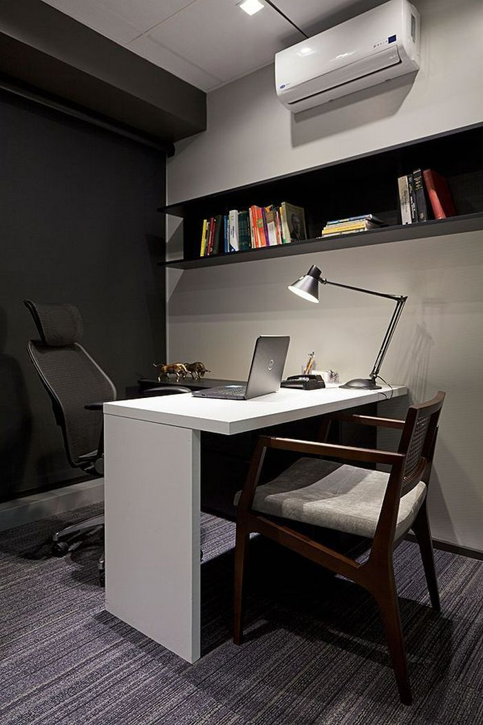 95 Modern Office Decorating Ideas With Inspiring Furniture To Add Style And Functionality To Your Workplace 22