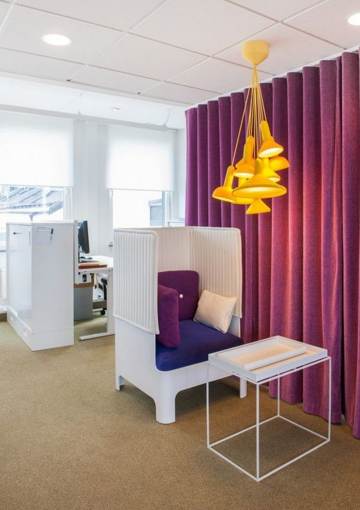 95 Modern Office Decorating Ideas With Inspiring Furniture To Add Style And Functionality To Your Workplace 48