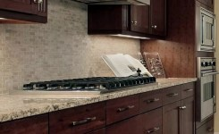92 Models Of Cherry Kitchen Cabinets Are A Classic Alternative Choice To Meet Your Home Decor 26