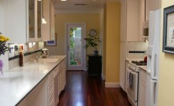 92 Models Of Cherry Kitchen Cabinets Are A Classic Alternative Choice To Meet Your Home Decor 32