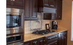 92 Models Of Cherry Kitchen Cabinets Are A Classic Alternative Choice To Meet Your Home Decor 42