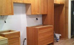 92 Models Of Cherry Kitchen Cabinets Are A Classic Alternative Choice To Meet Your Home Decor 63