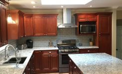 92 Models Of Cherry Kitchen Cabinets Are A Classic Alternative Choice To Meet Your Home Decor 90