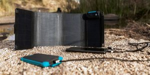 Frost-Summits-Series-Box-Synergy-IoT-Solar-Charger-and-Power-Bank