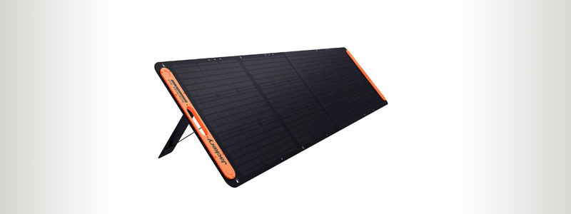 Jackery-SolarSaga-200-Folding-Solar-Charger