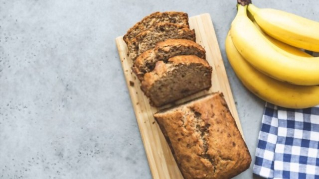 How to Make Delicious Banana Nut Bread