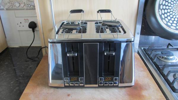 Hotpoint Ultimate Collection 4 Slot Digital Toaster TT 44E UP0