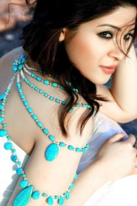 Accessories-Latest-Necklace-Jewelry-for-Girls-Trends-2012