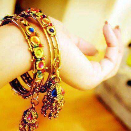 girls hand with bracelets cool facebook profile pictures
