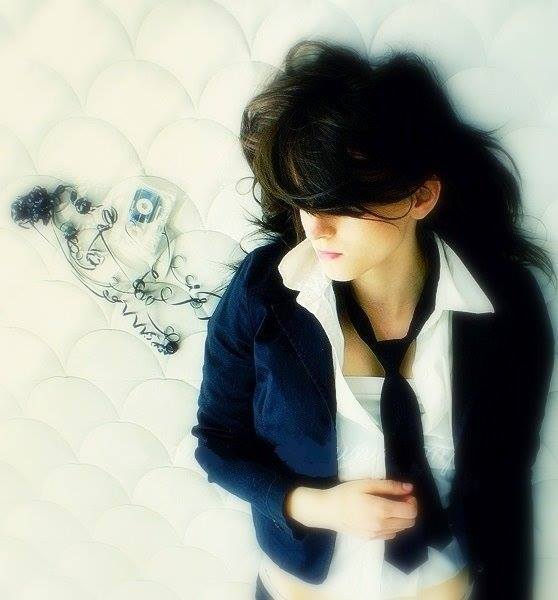 stylish and cool girls profile pictures and display pictures for facebook