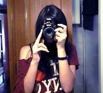cool girls with digital camra facebook profile pictures