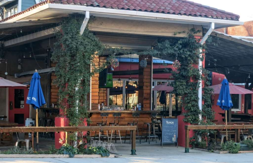 Inside-the-Beltline, Mordecai Neighborhood, mordecai outdoor dining