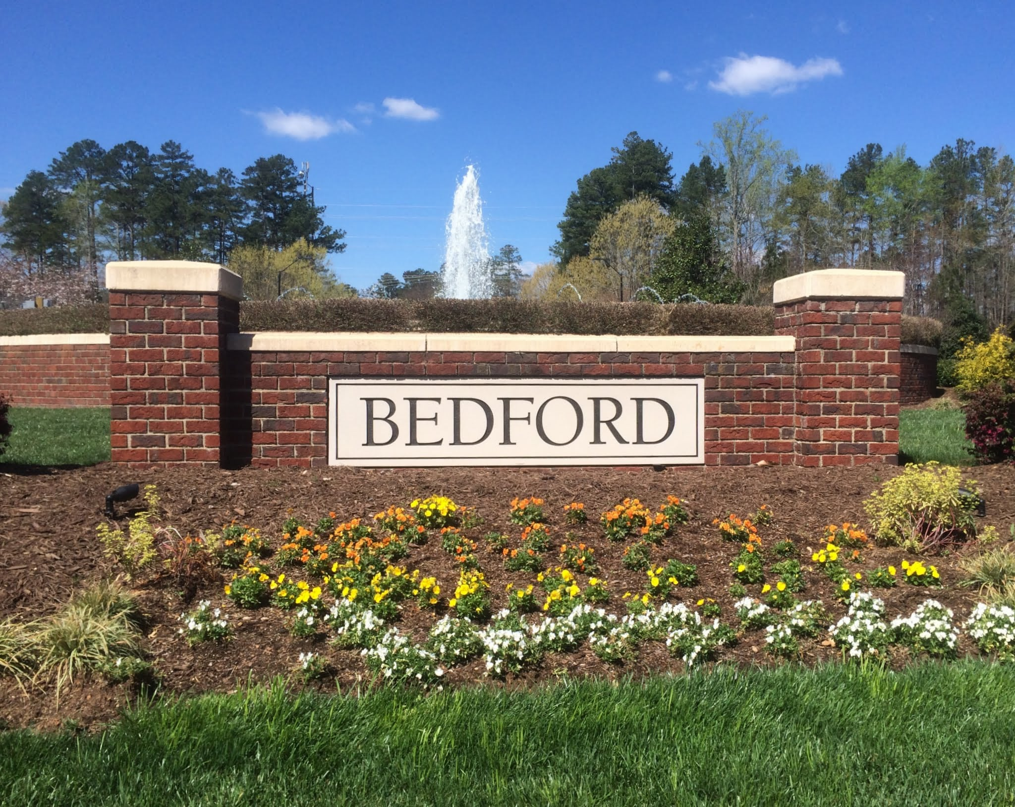 Fountain at Bedford Entrance, Best Raleigh Neighborhoods, North Raleigh, Bedford at Falls River