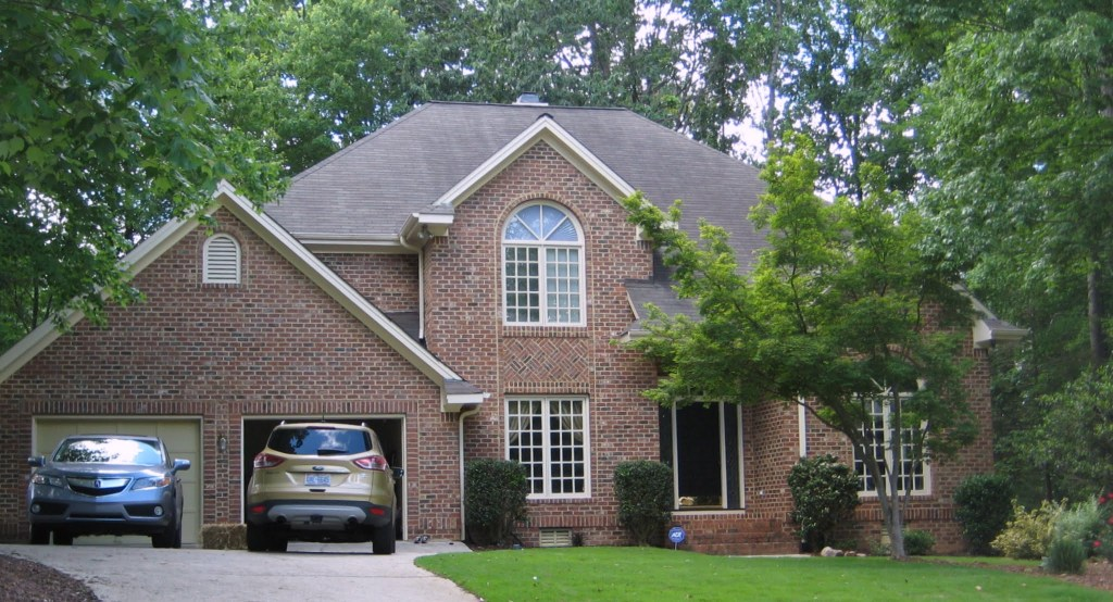 8801 Ashdown Court, Best Raleigh Neighborhoods, Midtown, Wildwood Green Golf Community