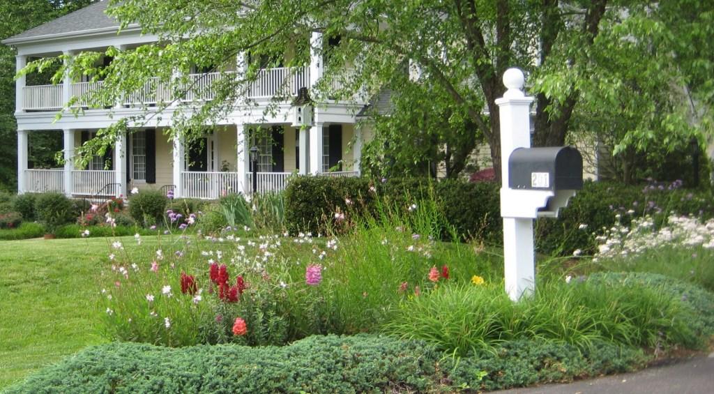 201 Veranda Court with May Flowers, Best Raleigh Neighborhoods, Midtown, Bent Tree