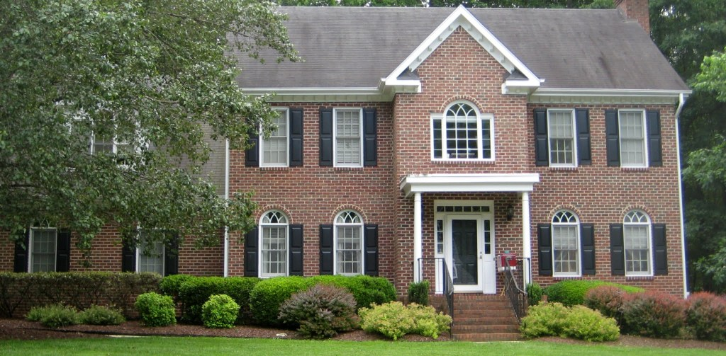 8909 Oxbridge Court, Best Raleigh Neighborhoods, Midtown, Stonehenge, Northwest Quadrant Creedmoor and Howard Roads, North Creek Run Entrance