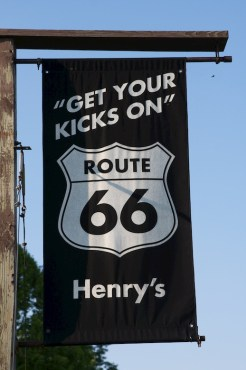 Henry's Ra66it Ranch along Route 66