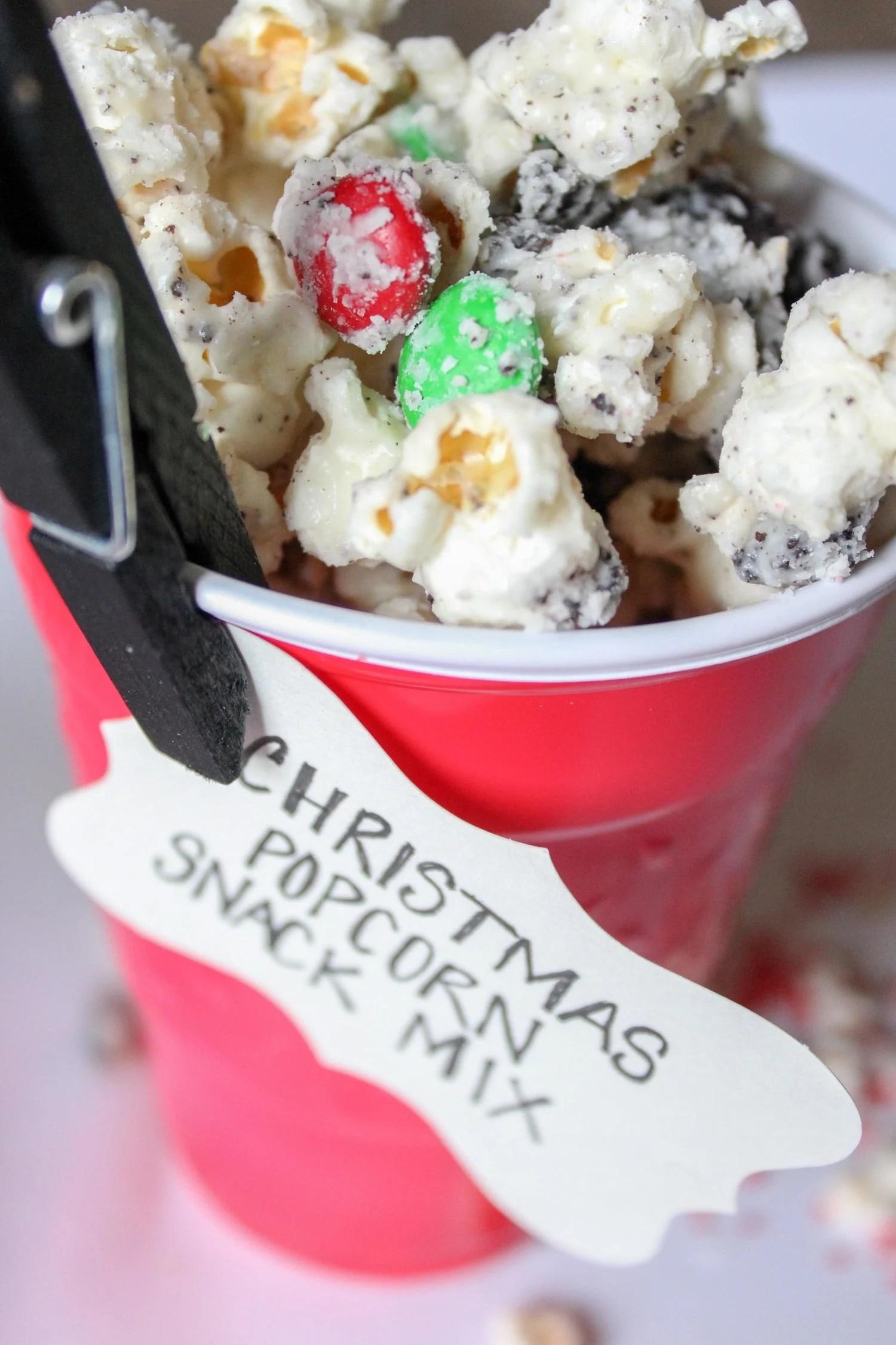 christmas-cakebatter-popcorn (3)