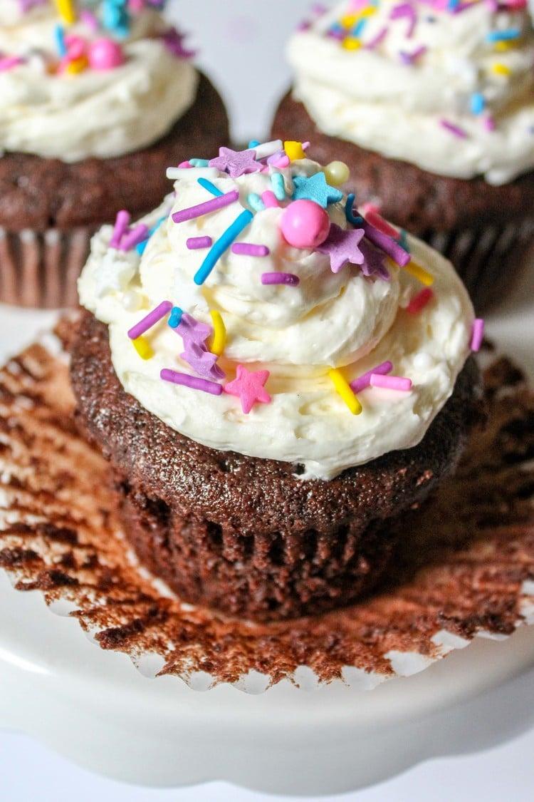 chocolate-fudge-cupcakes