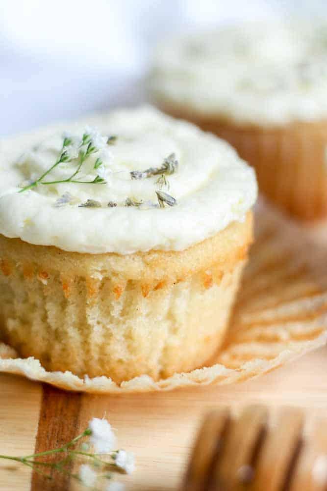 lavendar-vanilla-cupcake-with-honey-buttercream23