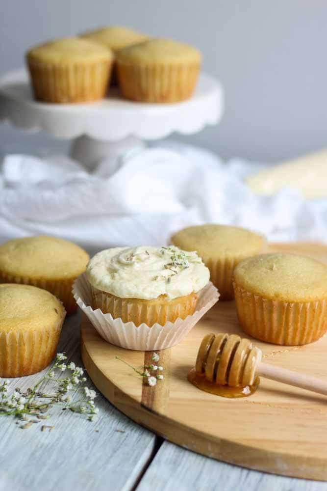 lavendar-vanilla-cupcake-with-honey-buttercream8