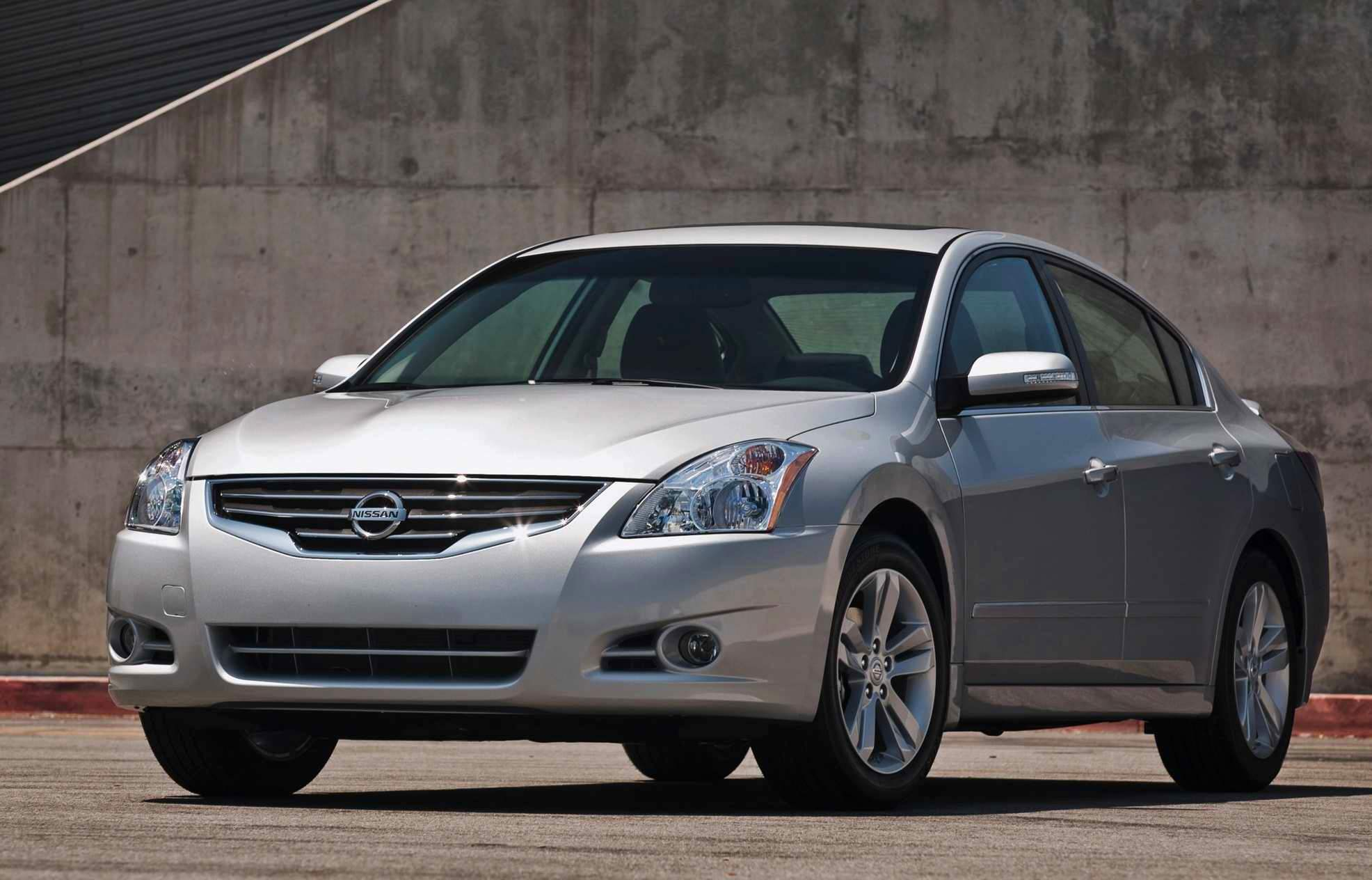 Usa March 2011 Nissan Altima Best Selling Passenger Car Discover The Top 60 Best Selling Models Best Selling Cars Blog