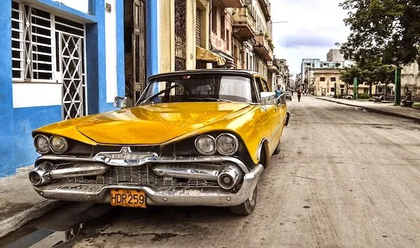 Vintage-American-car-Cuba-by-Teemu-R