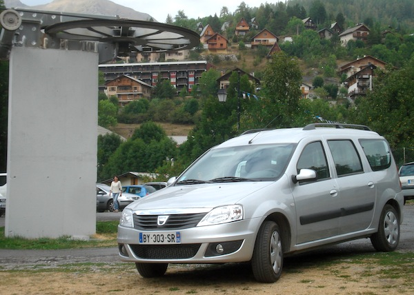 france dacia king of the countryside photo report best selling cars blog. Black Bedroom Furniture Sets. Home Design Ideas