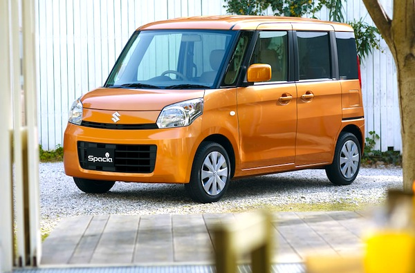 Suzuki Spacia Japan March 2013