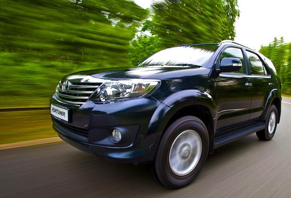 Toyota Fortuner Vietnam 2013