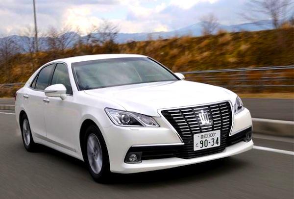 Toyota Crown Japan 2013