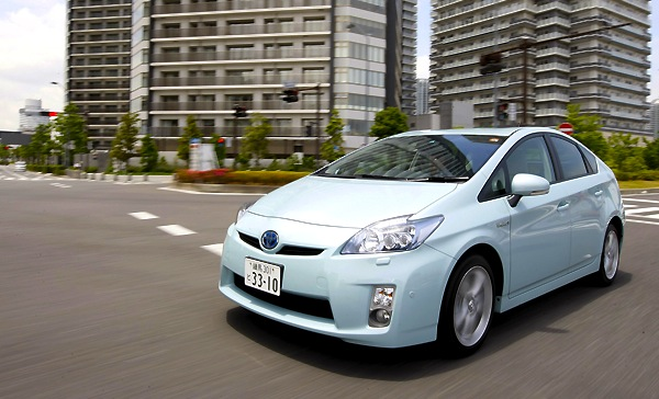 Toyota Prius Japan April 2013