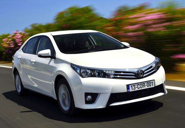 Toyota Corolla World May 2013
