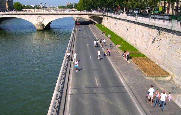 Carfree Paris. Picture courtesy of menly.fr
