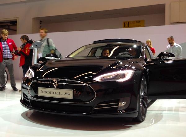 Tesla Model SFrankfurt Auto Show September 2013a