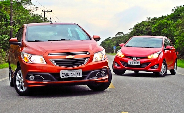 Chevrolet Onix Hyundai HB20 World July 2013