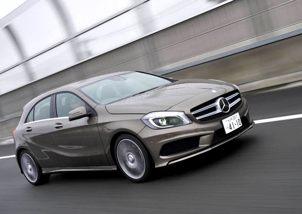 Mercedes A Class Japan December 2013. Picture courtesy of carsensor.net