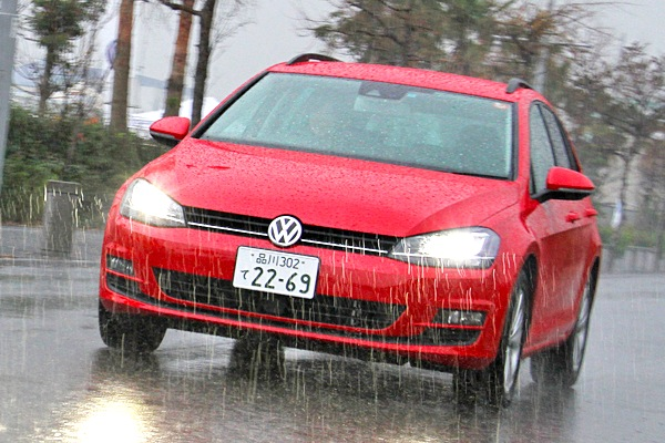 VW Golf Japan December 2013. Picture courtesy of autoc-one.jp