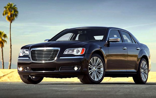 Chrysler 300C Kuwait 2013