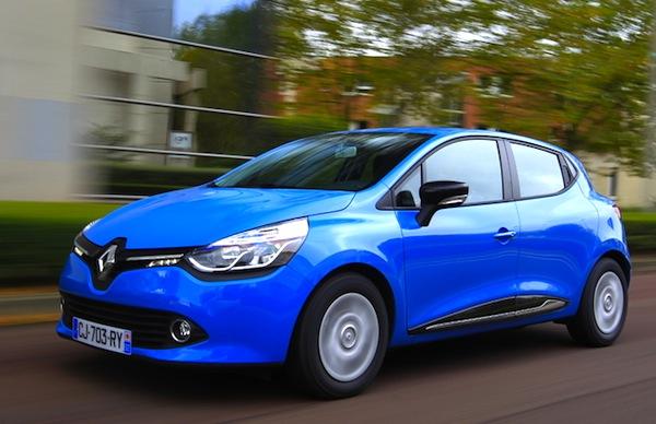 Renault Clio IV Portugal April 2014. Picture courtesy of automobile-magazine.fr