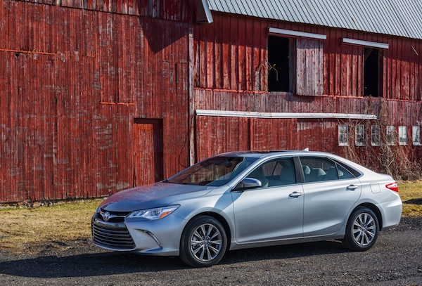 2015 Toyota Camry USA. Picture courtesy of motortrend.com