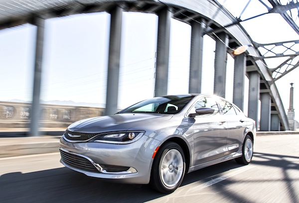 Chrysler 200 USA September 2014. Picture courtesy of motortrend.com