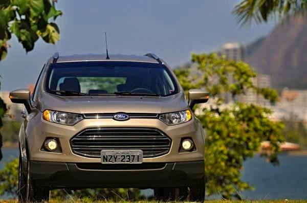Ford Ecosport Argentina November 2014. Picture courtesy of motordrea,.uol.com.br